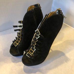 Shoedazzle Stilettos size 7